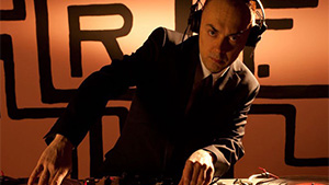 Dj Robert Fisher